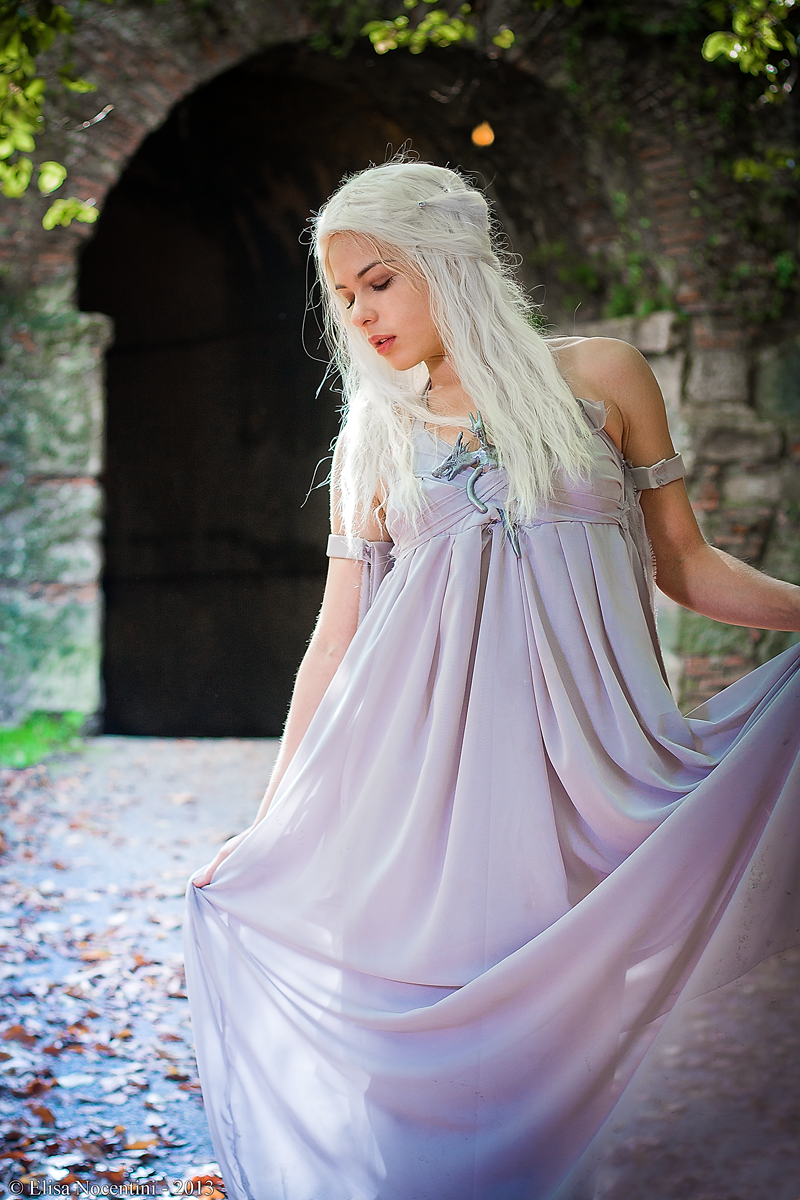 Daenerys Targaryen - Game of Thrones by oShadowButterflyo