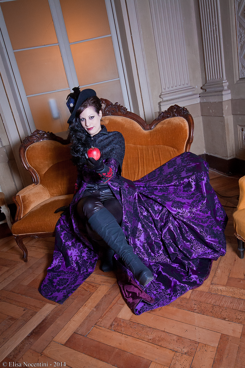 The Evil Queen Regina - Once Upon a Time by oShadowButterflyo