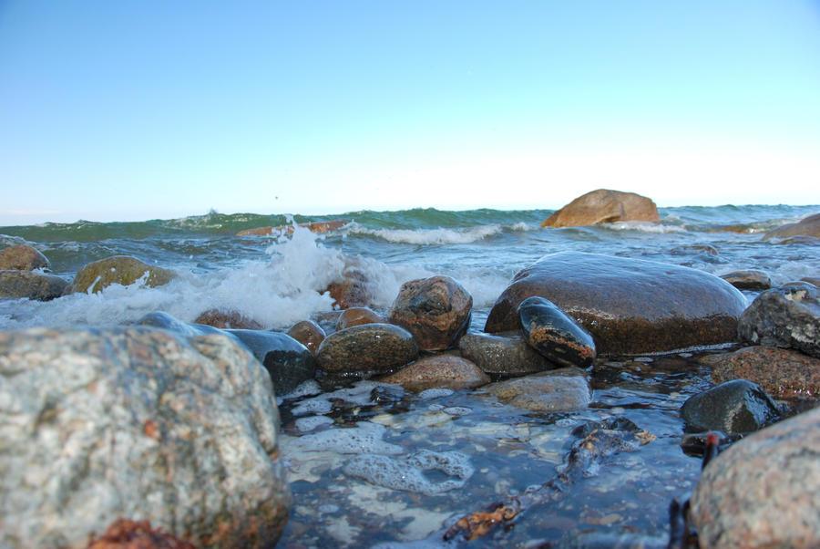 stones in water by ackermaennchen