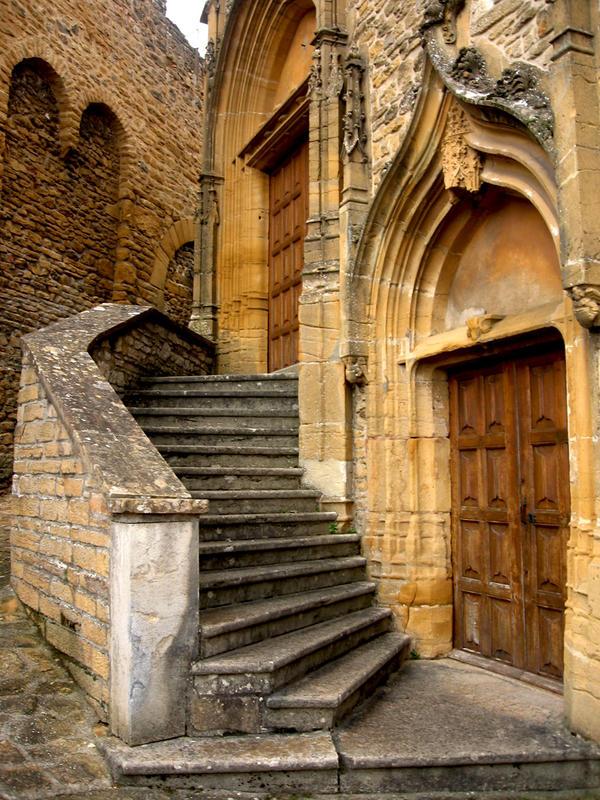 two entrances by DemonioHorrible