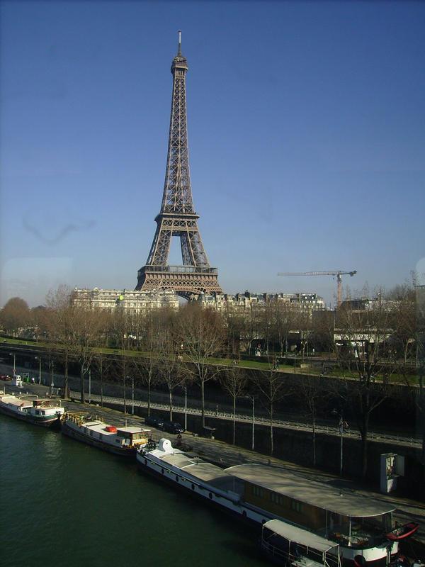 La Galerie de QueenBlondie. Eiffel_Tower_by_UneMoumoute