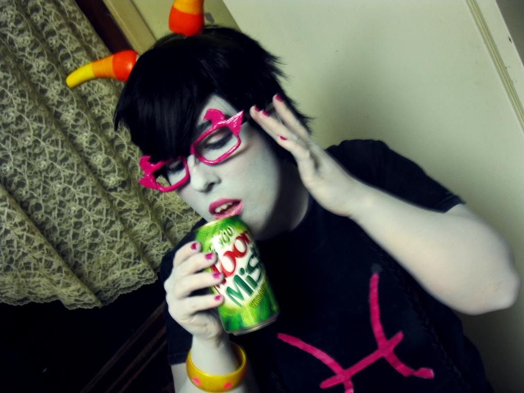 Get fizzy - Meenah Peixes by zombie-tea-party