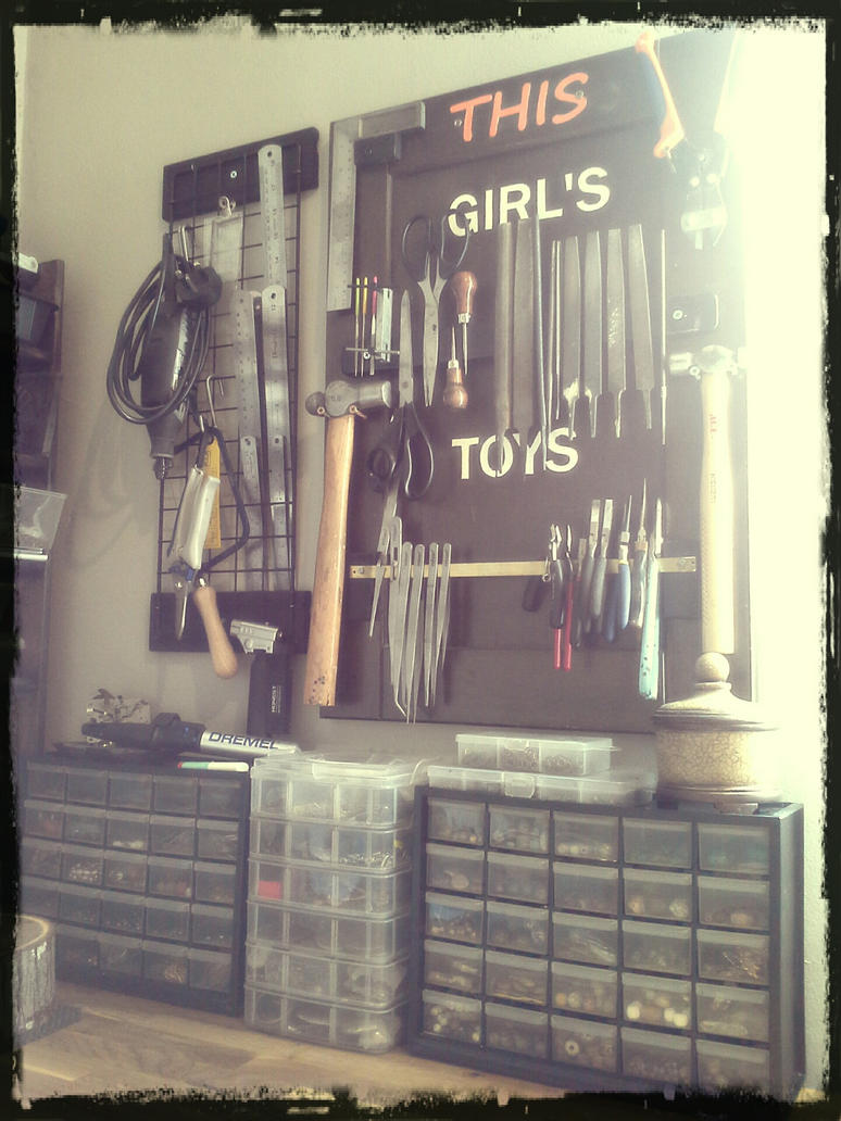 New Workbench 2 by luthien27