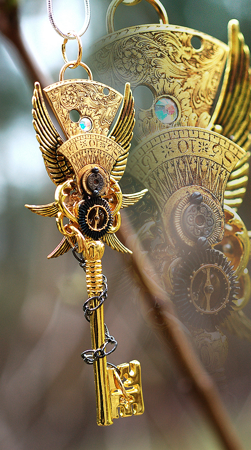 Epic Golden Emperor Key Necklace by Drayok