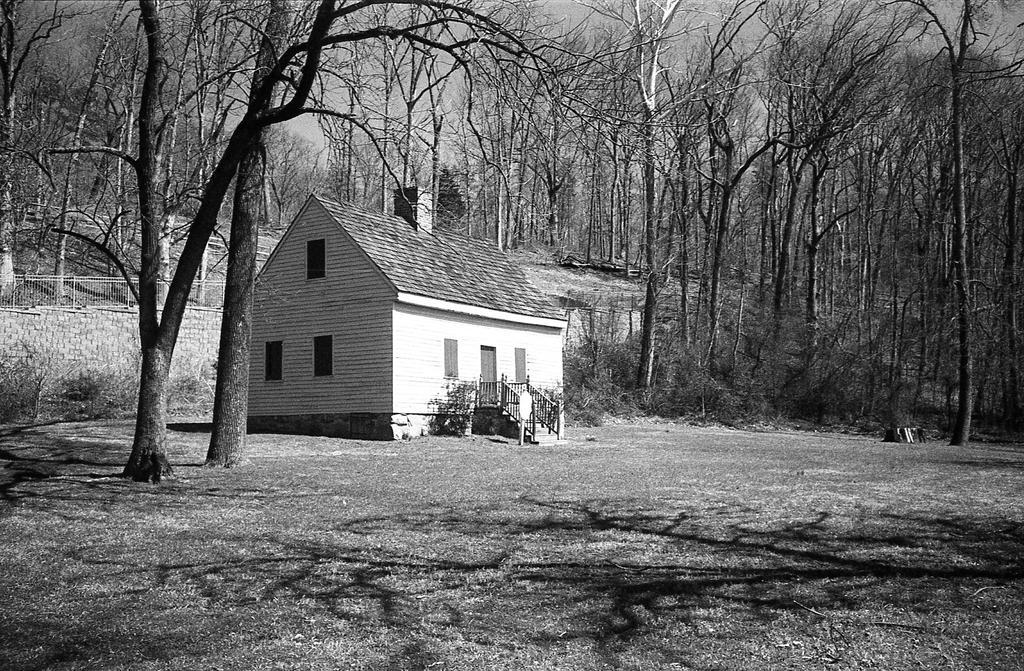 Shelton Cottage - Argus C44R 35mm lens by rdungan1918