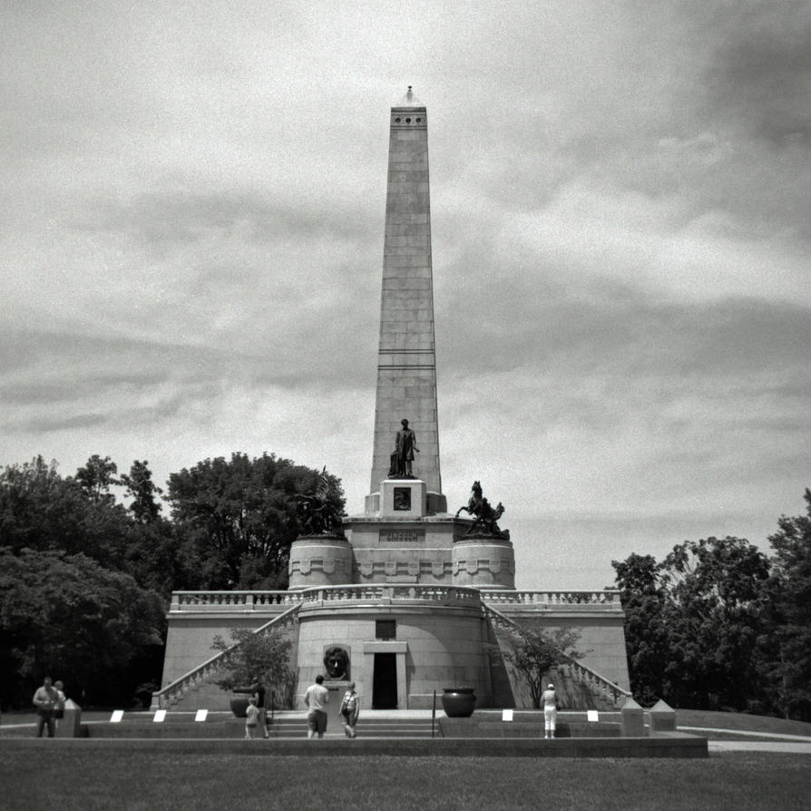 Abraham Lincoln's Tomb Springfield Illinois by rdungan1918
