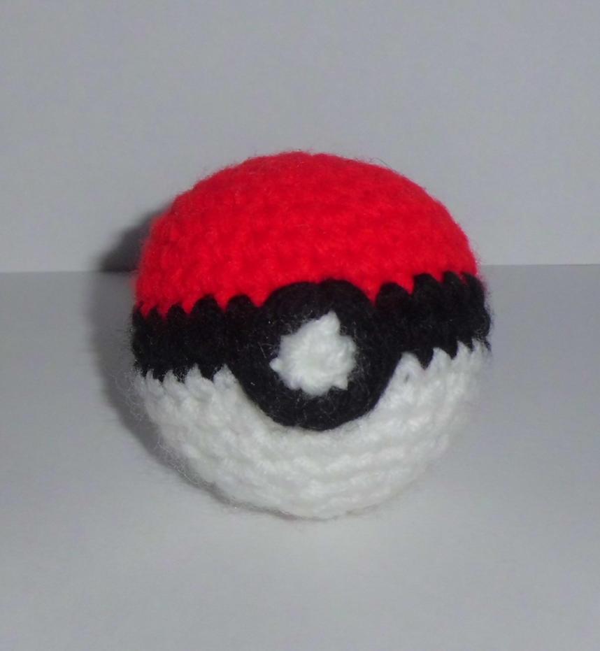Pokeball Amigurumi : Amigurumi Pokeball by CraftyGeeks on deviantART