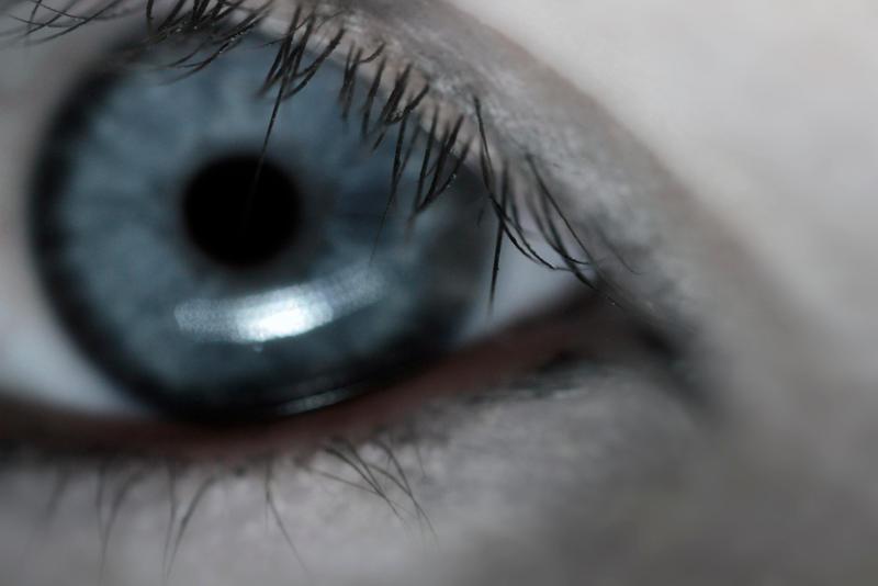 Eye Blue by piskieheart