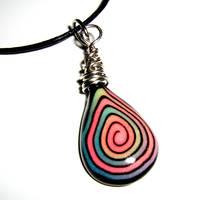 Glow in the dark pendant 2 by valenceleclerc