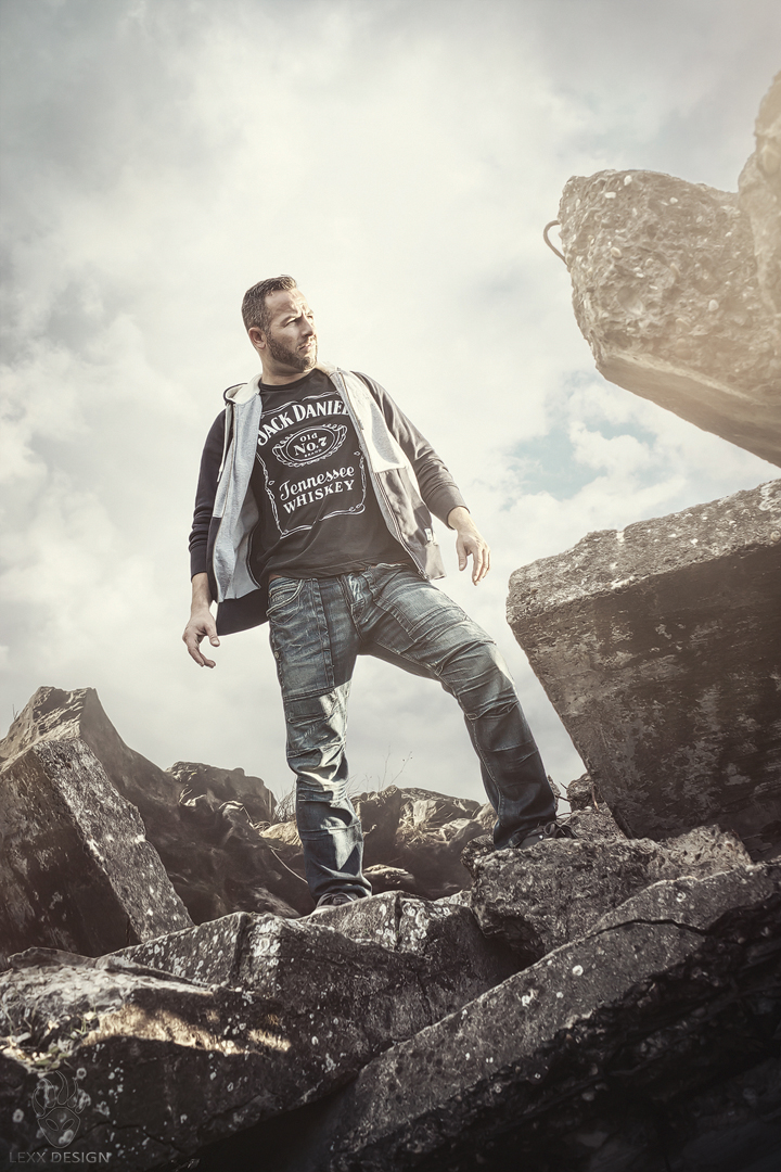 Last Man Standing by LEXX-Design