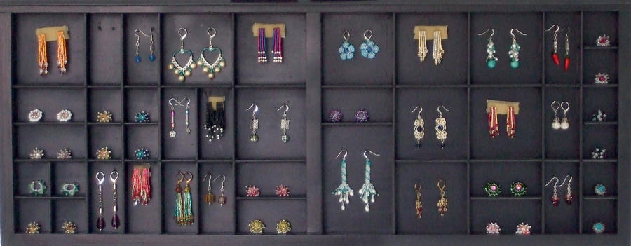 STAA expo earring displey by green-envy-designs