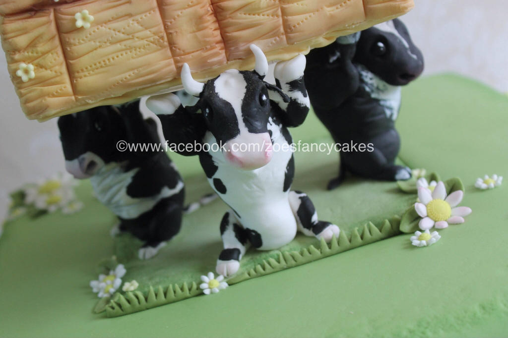 fondant cows by zoesfancycakes on DeviantArt