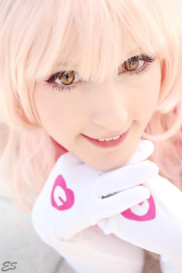 Bright smiling Nurse by Zhenya-Chan