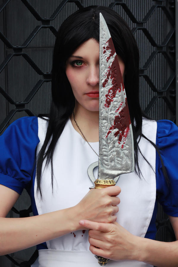 I'm Alice Liddell and this is my way by Zhenya-Chan