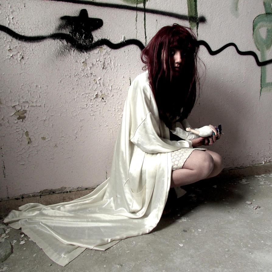 broken doll by kitsune89