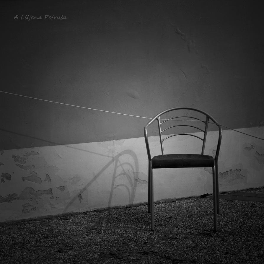 Empty chair by lpetrusa