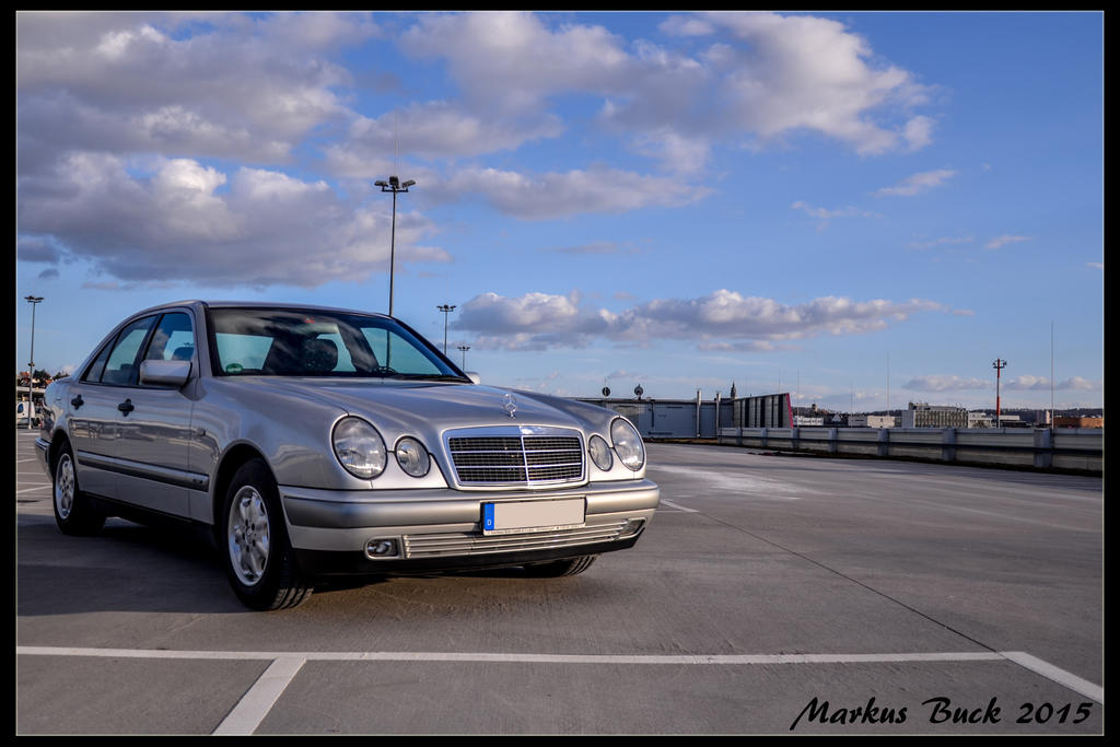 Mercedes Benz W210 by HobbyFotograf
