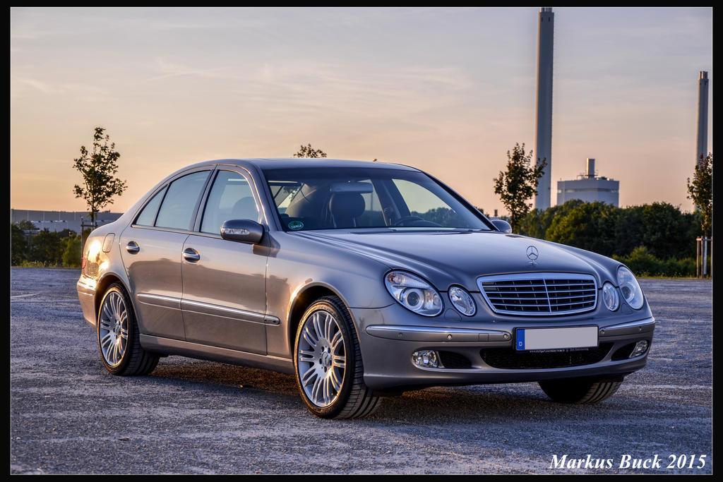 Mercedes Benz W211 by HobbyFotograf
