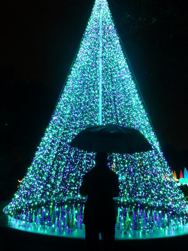 Christmas Rain by ChaosKomori
