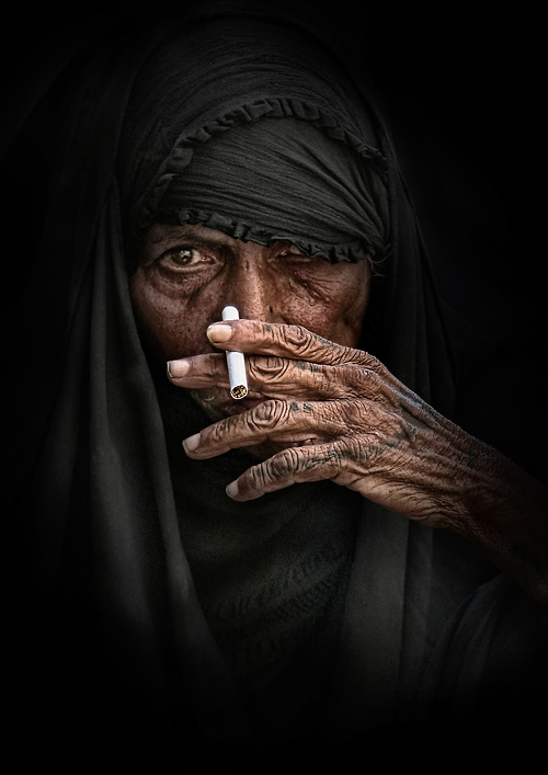 Iraq - Smoking by alialnasser