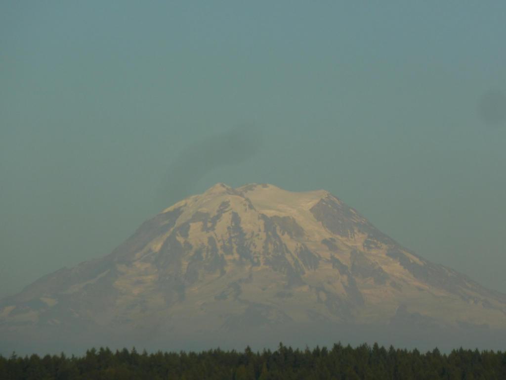 Mt. Rainier's Full Glory