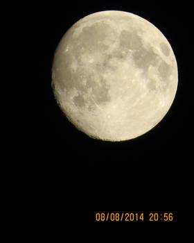 The Moon's Full Glory