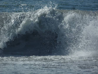 The Waves of the Mighty Sea  Roars