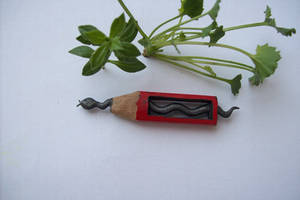 pencil carving sissss _sziissszz_ the snake by cerkahegyzo