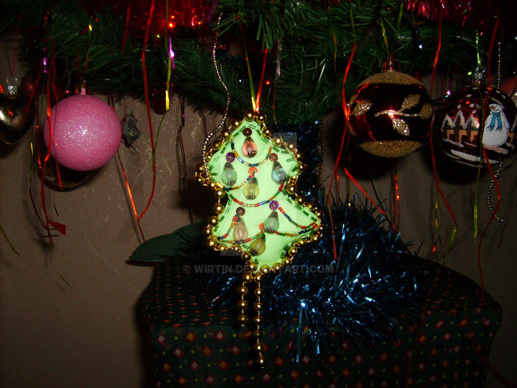 A Little Christmas Tree by wirtin