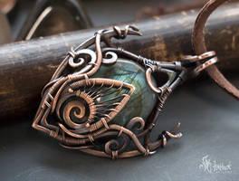 Fantasy wire wrapped pendant