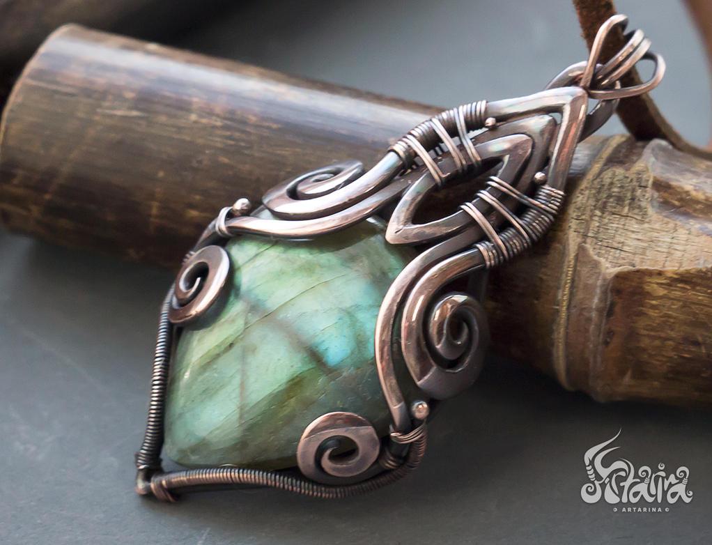 Victorian copper labradorite pendant by Artarina