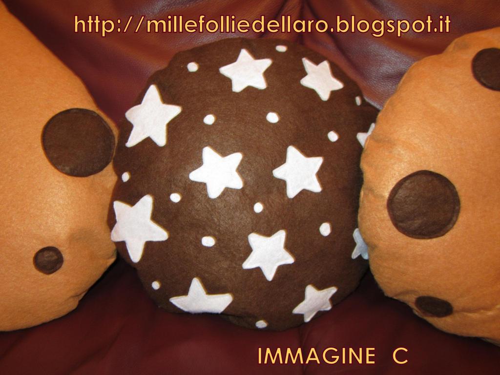 Cuscini Biscotti.Cuscino Biscotto Pan Di Stelle By Millefolliedellaro On Deviantart