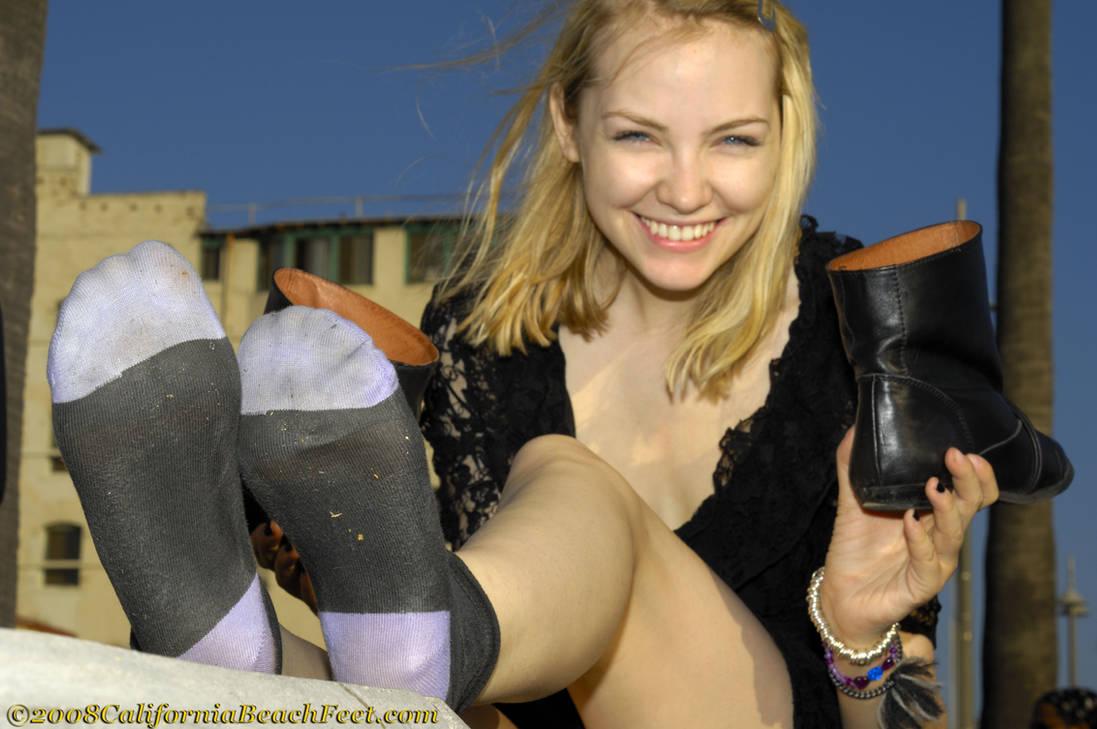Девчонки в грязных носках, как засунуть селедку в пизду