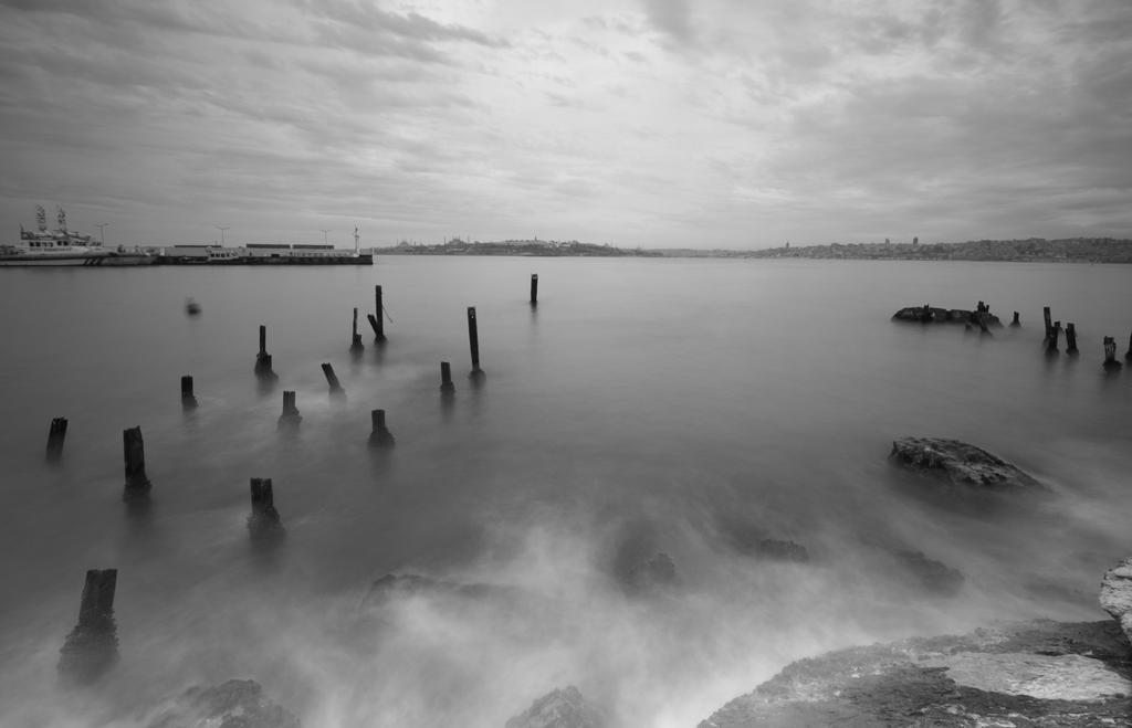 Ghost Sailors by vabserk