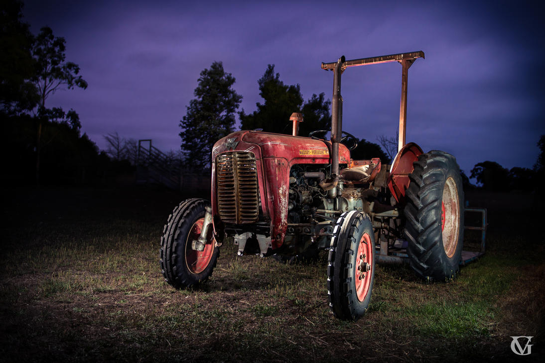 Relic Tractor by GVAR-Photography