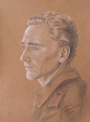 Tom Hiddleston by KarinM