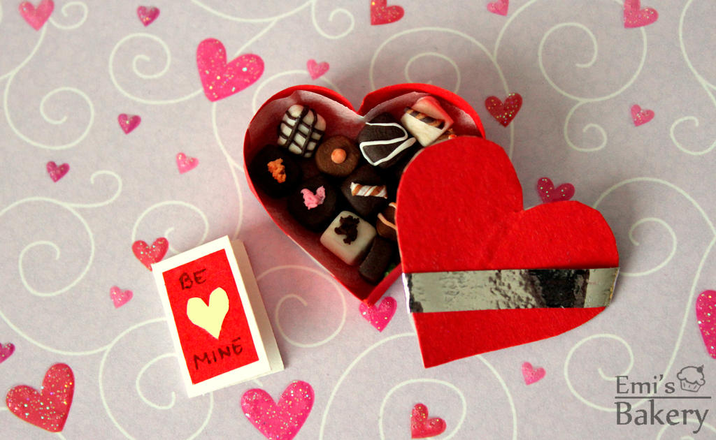 Miniature Valentine's day box with chocolates by EmisBakery
