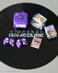 Miniature Game Cube and games