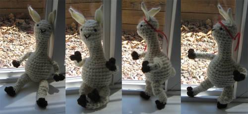 Drama Llama by cirqueducrochet