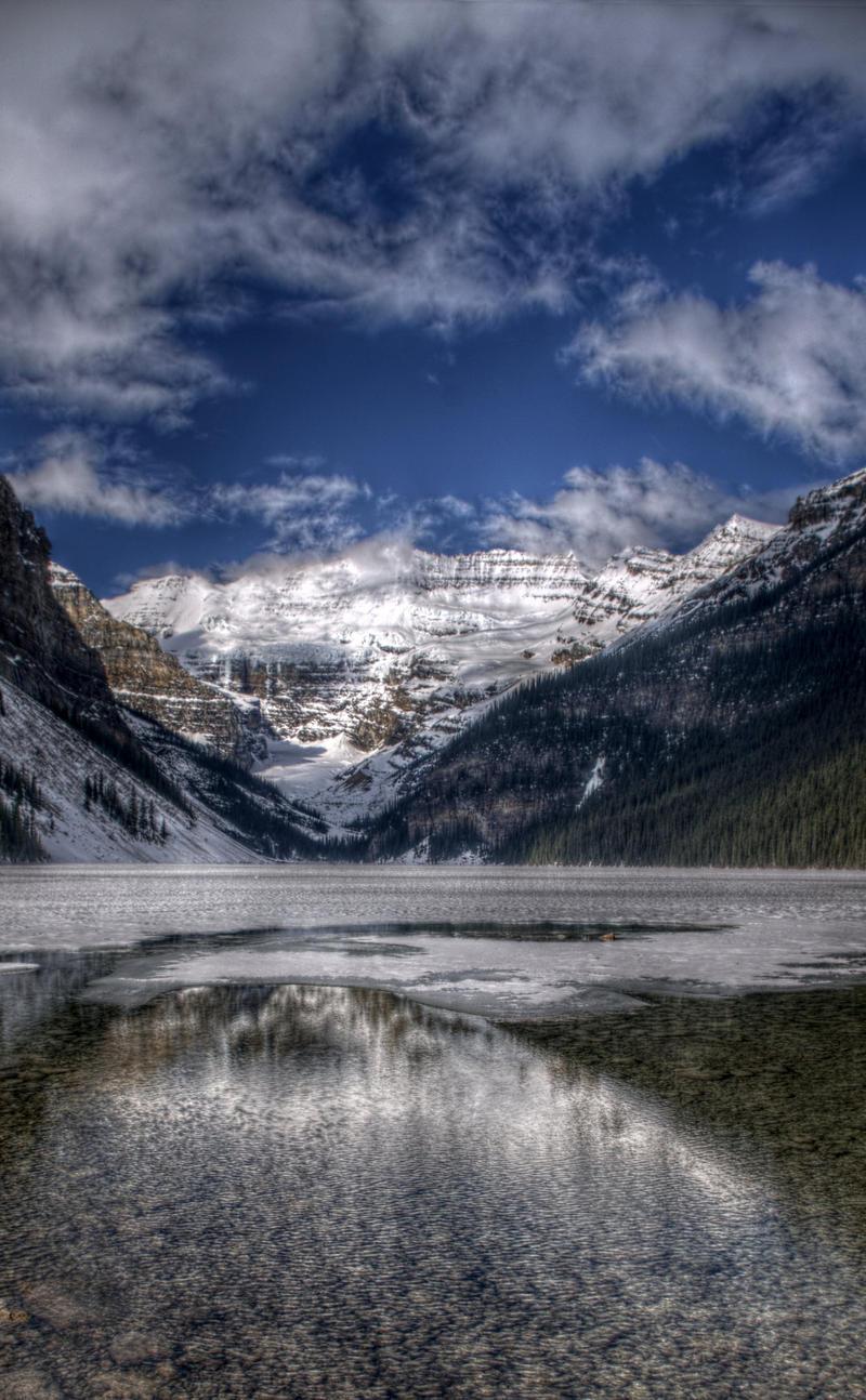 Lake Louise 4975 by schon