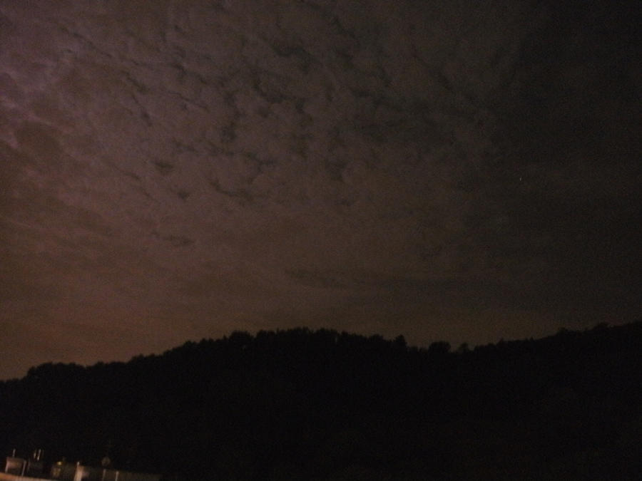 Red sky at midnight. by Kazuma27