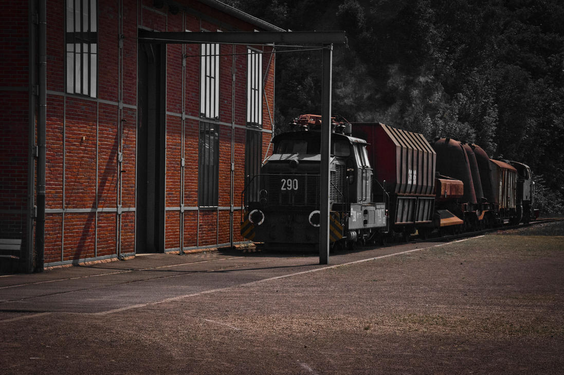 Rusty Train by Merctw