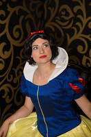 Classical Snow White by MysteriousMaemi