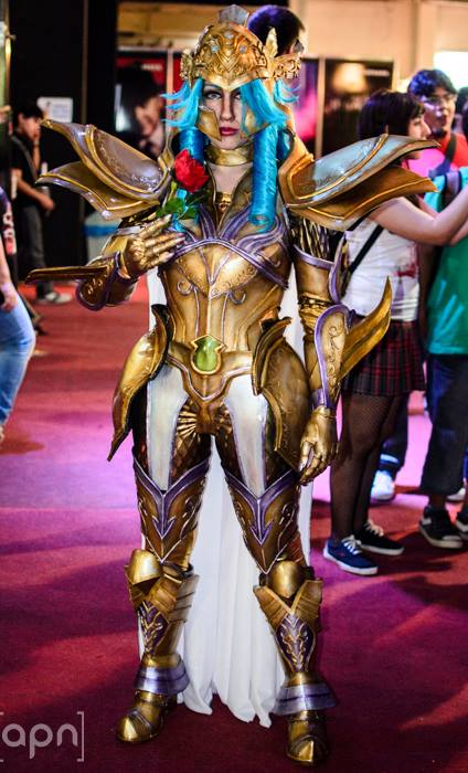 Cosplay - Página 18 Saint_seiya_los_cosplay__pisces_aphrodite_by_angelgabrielwolff-d86snct
