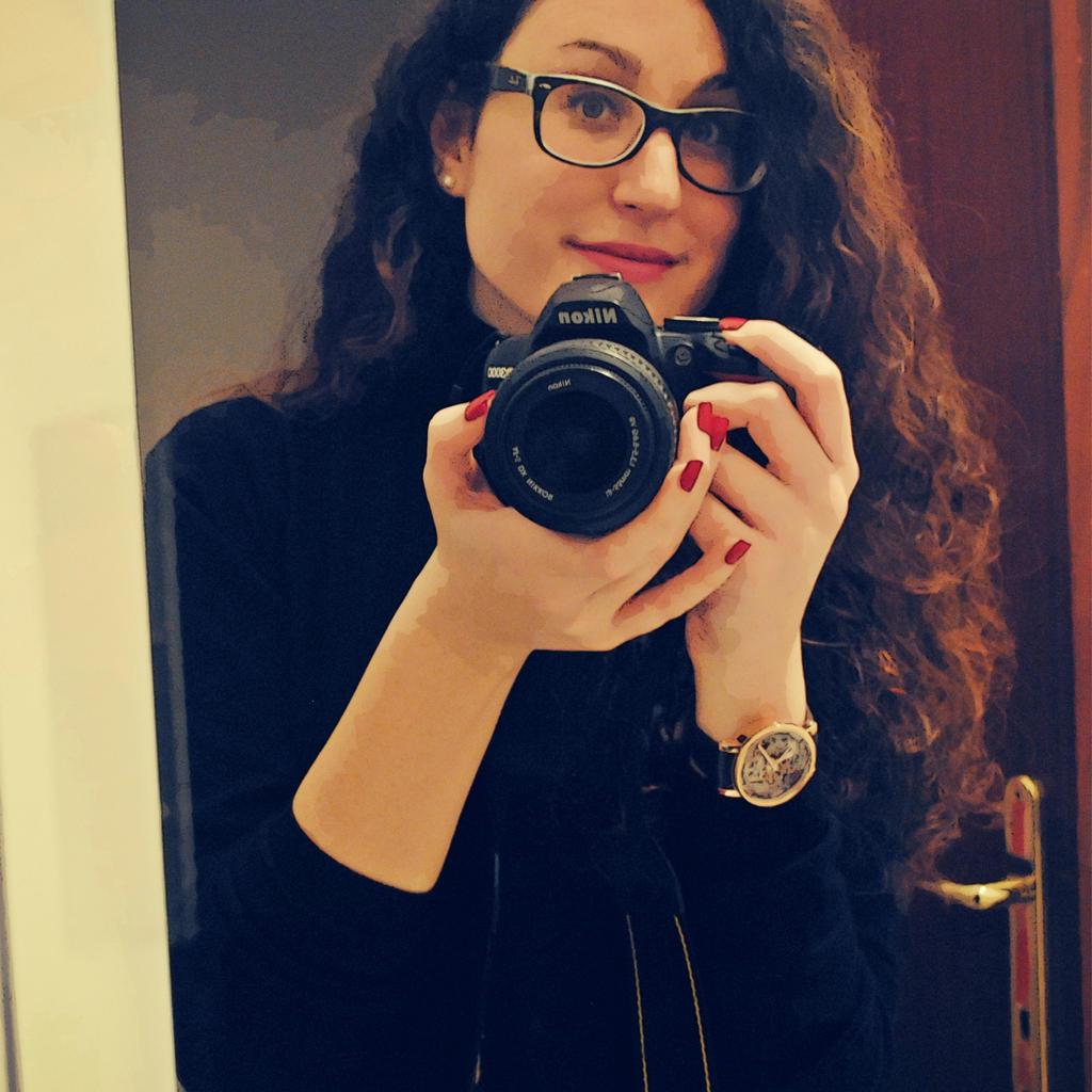 Julie-xxx's Profile Picture