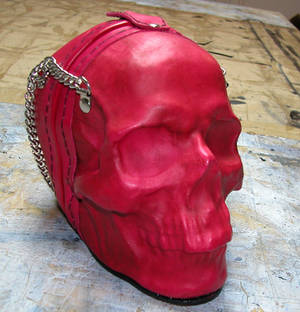 Leather skull purse in pink