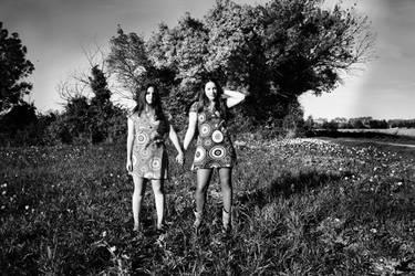 Twins by GnAkK