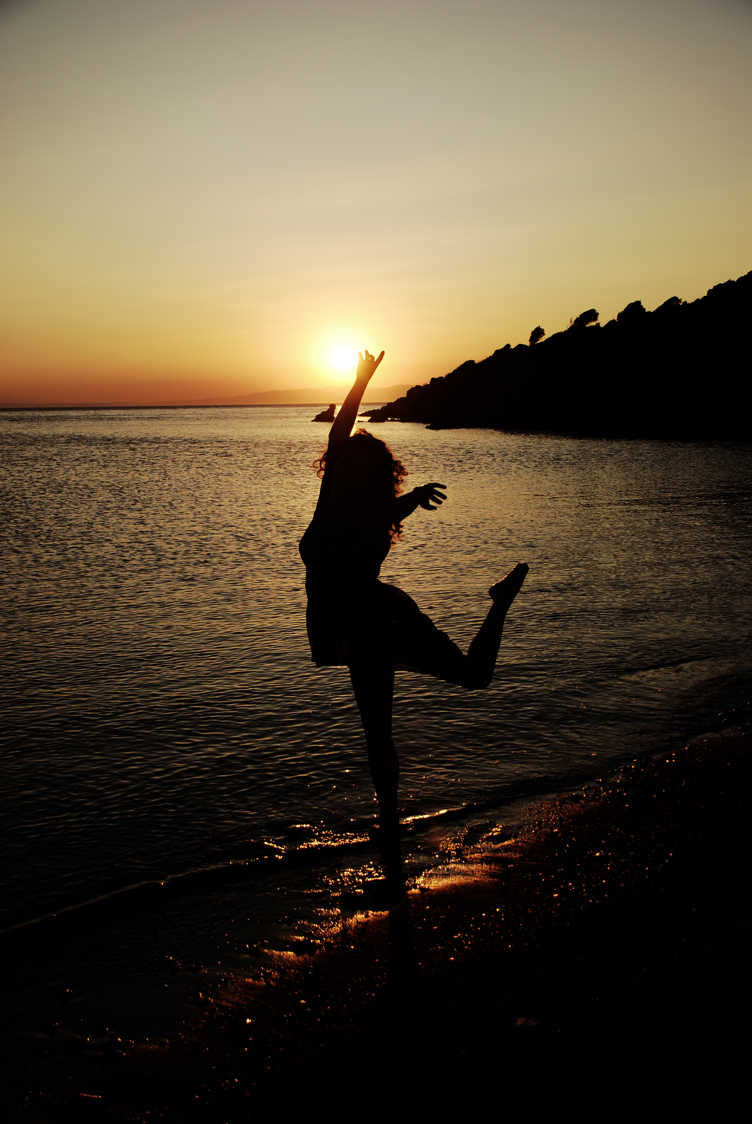 Dance in the sunlight by seainside