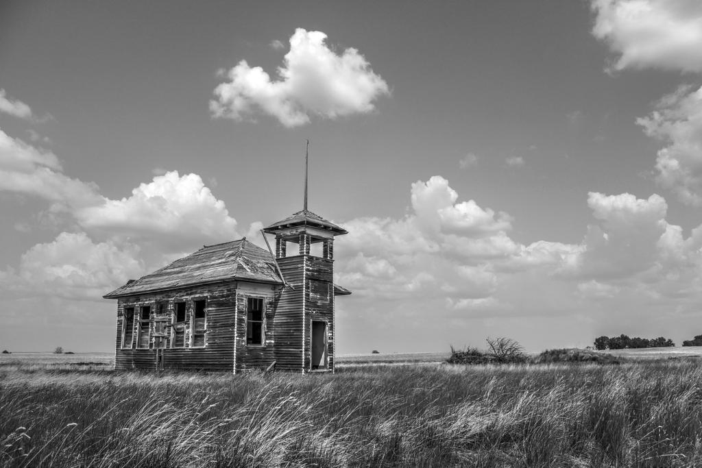 Schoolhouse by kingrabbit