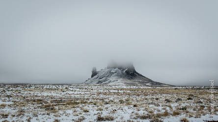 Monument Valley in the mist by Gwangelinhael
